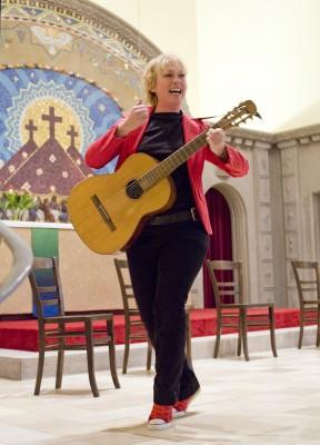 Andrea Bongers mit Gitarre