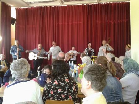 Mit Witz und hanseatischem Liedgut zog die Hamborger Schietgäng das Publikum in ihren Bann.