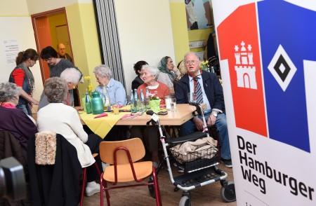 Dank der Unterstützung des Hamburger Weges und weiterer großzügiger Spender war es möglich ein Osteressen mit Musik und Unterhaltung zu veranstalten.